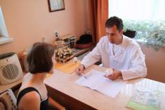 Maciej Czarny w trakcie konsultacji
