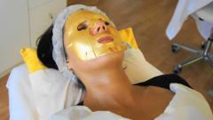 Złota maska - zabieg głęboko nawilżający skórę - fot. 1